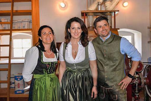 Familie Huber und Landwirtschaftsministerin Kaniber