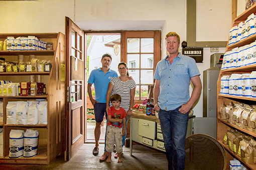 Familie Huber und Braumeister Milkreiter